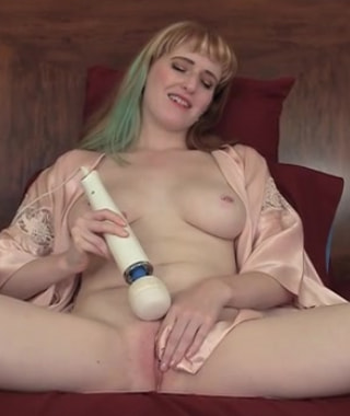 Daphne Wake Loves Her Hitachi