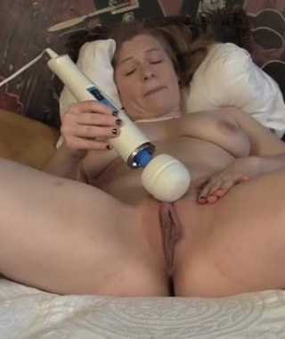 Lili Sparks And Her Hitachi