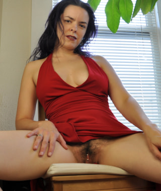 Lucia - Lady in Red
